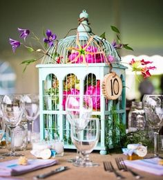 Super sweet birdcage table centrepiece