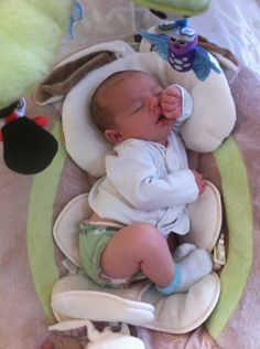 What makes newborn cloth diapering special?newborn babies are tiny! Even though many one-size diaper brands claim that. Boy Baby Doll, Reborn Baby Dolls, Baby Boy Newborn, Baby Momma, Mom And Baby, Real Looking Baby Dolls, Diaper Brands, Silicone Reborn Babies, Baby Swag
