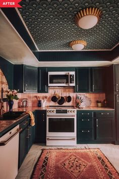 Küchen Design, Home Design, Layout Design, Design Ideas, Wallpaper Ceiling, Kitchen Wallpaper, Interior Wallpaper, Interiores Art Deco, Classic Kitchen