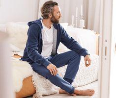 13995 Ft Kívülről menő, belülről trendi: a lezser és kényelmes szabású szabadidőruhában csodálatosan lehet otthon lazítani és kellemes órákat eltölteni.
