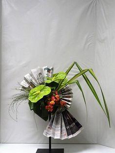 Flower Show, Flower Art, Hortensia Rose, Table Centerpieces, Table Decorations, Atelier D Art, Modern Flower Arrangements, Arte Floral, Ikebana