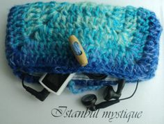 CROCHET BLUE PURSE with Wooden Button lined by IstanbulMystique, $15.00 Blue Purse, Crochet Purses, Purses And Bags, Button, Trending Outfits, Unique Jewelry, Handmade Gifts, Vintage, Etsy