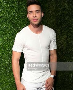 Prince Royce love him