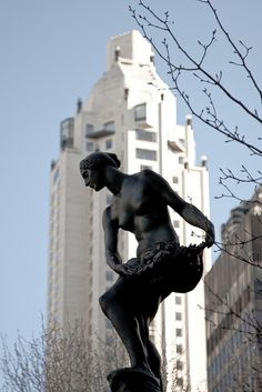Pulitzer Fountain    Grand Army Plaza