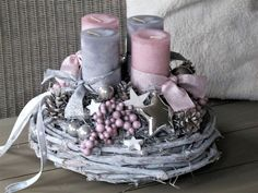 Filling Your Home with Favorite Christmas Scents- Pink Candles christmas tablescapes , Filling Your Home with Favorite Christmas Scents- Pink Candles Filling Your Home with Favorite Christmas Scents- Pink Candles. Christmas Advent Wreath, Christmas Candle Decorations, Christmas Scents, Christmas Tablescapes, Christmas Candles, Table Decorations, Diy Yarn Wreath, Navidad Diy, Pink Candles