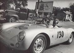 Una #Porsche leggendaria ma maledetta.. leggete perchè!!! Voi la guidereste??>> http://www.infomotori.com/auto/2013/12/03/porsche-550-spyder-little-bastard-di-james-dean/
