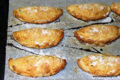 Recepta tradicional número 772 del llibre Corpus del Patrimoni Culinari Català .  Els Pastissets de Tortosa, també són coneguts com a Casqu...