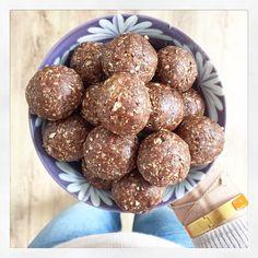 Chocolate Chia Cookies | Deliciously Ella