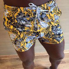 Moda Masculina - Shorts Masculino Praia Yellow Coleção Outono Inverno 2017