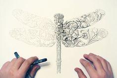 Alex Konahin tem se mostrado um artista de primeira, esbanjando características próprias, vem conquistando á todos inclusive até os críticos de arte! Seus desenhos envolvem muito o uso de padrões florais, símbolos culturais e ornamentação tradicional. Os objetos que Konahin desenha na maioria das vezes são insetos, animais selvagens, anatomia humana, etc. Konahin(link para seu …