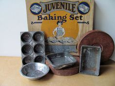 Vintage Child's Tin Bake Set