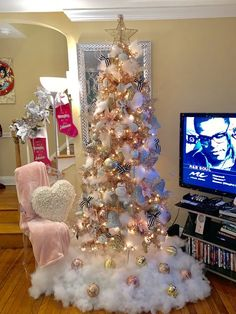 120 Best Christmas Tree Decorating Ideas That You'd Have to Take Inspiration From - Hike n Dip - - Choose the Best Christmas Tree decorating ideas. These Christmas Tree decorations are the best & trending Christmas decorations ideas of the year. Purple Christmas Ornaments, Rose Gold Christmas Tree, Pink Christmas Decorations, Turquoise Christmas, Colorful Christmas Tree, Christmas Tree Themes, Elegant Christmas, Christmas Mantles, Christmas Villages