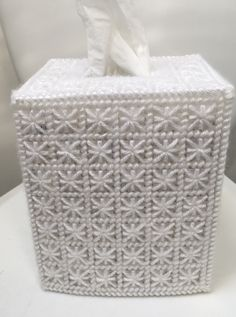 Plastic Canvas Tissue Boxes, Plastic Canvas Patterns, Needlepoint Stitches, Needlework, Tissue Box Covers, Bathroom, Cry, Crafts, Purses