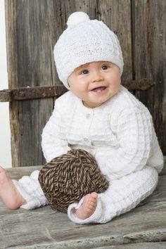 Neulottu vauvan pintaneulesetti Novita Nalle | Novita knits