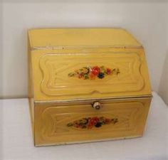 Vintage metal bread box..  we had this very one when I was little..  didn't remember until I saw this photo!!