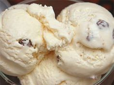 The easiest recipe for sugary ice cream you've ever seen … – Wedding Dresses Greek Desserts, Greek Recipes, Tsoureki Recipe, Condensed Milk Ice Cream, Cheesecake Recipes, Dessert Recipes, Food Network Recipes, Cooking Recipes, The Kitchen Food Network