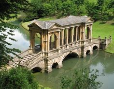 The Palladian Bridge of Prior Park, Bath. My favourite place in England...I didn't see that when I went!!!