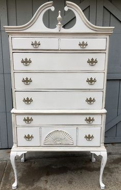 Antique High Boy Chest of Drawers/Dresser