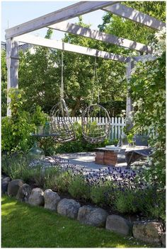 Garden Landscaping Backyard patio pergola with swings.Garden Landscaping Backyard patio pergola with swings Pergola Swing, Backyard Pergola, Backyard Ideas, Landscaping Ideas, Pergola Kits, Backyard Seating, Hammock Swing, Pergola With Swings, Corner Pergola