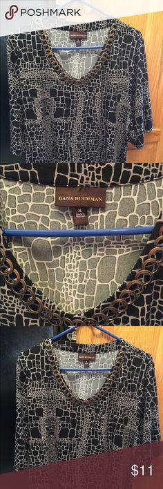 "XL print top Dana Buchman short sleeve vneck xl print top short sleeve approx 28""from shoulder Dana Buchman Tops Tees - Short Sleeve"