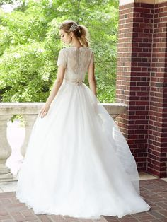 Wedding Dresses:   Illustration   Description   Flowing Tulle Full A-line Bridal Skirt Style S2022    -Read More –   - #WeddingDresses https://adlmag.net/2017/12/16/wedding-dresses-inspiration-flowing-tulle-full-a-line-bridal-skirt-style-s2022/