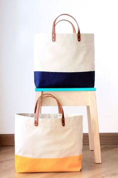 For the majority of women, purchasing a genuine designer handbag is not something to hurry straight into. Because they bags can be so costly, most women sometimes worry over their selections before making an actual ladies handbag purchase. Polka Dot Bags, Diy Upcycling, Diy Tote Bag, Embroidered Bag, Fabric Bags, Cotton Bag, Cloth Bags, Handmade Bags, Gift Bags