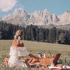 Bio-Hotel Stanglwirt - So much I want to share with you from the coziest place This one is from three months ago when I was there to shoot a (still) secret project. There is just something about these greens and mountain views. Summer Aesthetic, Travel Aesthetic, Oh The Places You'll Go, Places To Travel, Travel Destinations, Vacation Places, Holland Strand, Valensole, Adventure Is Out There