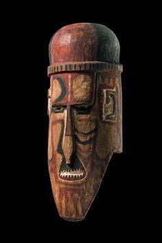 "Death mask ""kaka-paraga"" - Papua New Guinea - Bismarck Archipelago, West New Britain - Witu Islands."