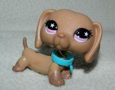 Littlest Pet Shop #932 Tan Dachshund Weiner Dog with Pink Star Eyes RARE LPS #Hasbro