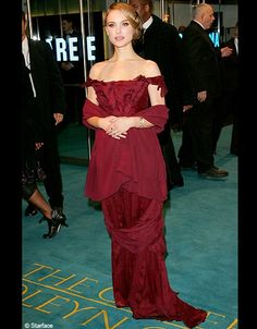 Natalie Portman wearing a Christian Lacroix dress at The Other Boleyn Girl Lon Natalie Portman, Nice Dresses, Prom Dresses, Formal Dresses, The Other Boleyn Girl, Christian Lacroix, Evening Gowns, Strapless Dress Formal, People