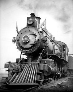 Locomotive - Circa 1900 Photo by William M. Vander Weyde (1871-1929)/courtesy of George Eastman House. www.nytstore.com/... (Thx Bonnie)