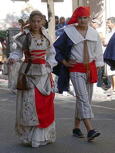 002-Costumi tradizionali dei comuni della Sardegna