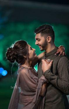 Indian Wedding Couple Photography, Wedding Couple Poses Photography, Couple Photoshoot Poses, Pre Wedding Poses, Pre Wedding Photoshoot, Wedding Couples, Romantic Couple Images, Wedding Couple Pictures, Stylish Dpz