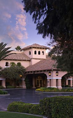 Enjoy Western Hospitality At Harris Ranch Hotel Conveniently Located On Interstate Book One Of The Top Hotels In Central California
