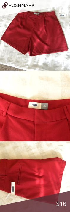 NWT Old Navy Women's Casual Shorts Size 6 Red NWT  Old Navy Women's Casual Shorts  Size 6,  Color Red  Regular Standard  Pleated Front with one pocket on every side. Waist: 32 Hips 42 inseam: 5 Old Navy Shorts