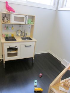 Living With Kids: Julie Sparrow Carson  a 'real' play kitchen for the kids
