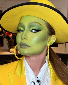 Cool Halloween Makeup, Halloween Makeup Looks, Halloween Kostüm, Mermaid Halloween Makeup, Team Halloween Costumes, Costume Party Themes, Amazing Halloween Costumes, Fairy Costumes, Mermaid Makeup