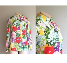 Vintage 1970s Floral Blouse / 60s 70s Bright Pointed Mod Collar Nylon Top - Large