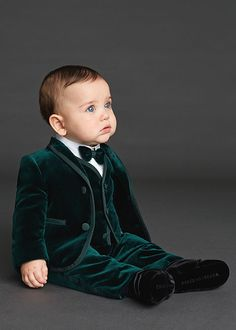 Cheap communion suits for boys, Buy Quality communion suits directly from China kids tuxedo Suppliers: 2018 Emerald Green Velvet Custom Made Fashion kids prom tuxedos suit Boys Wedding Suit Kids Tuxedo Communion Suits For Boys Little Boy Outfits, Little Boy Fashion, Baby Boy Fashion, Toddler Fashion, Baby Boy Outfits, Kids Fashion, Baby Boy Wedding Outfit, Boys Wedding Suits, Baby Boy Dress
