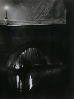 Night Photography Brassaï, Tramps on the Quai des Orfèvres, Paris, c. Vintage Photography, Street Photography, Art Photography, Night Photography, Brassai, Graffiti, French Photographers, Black And White Pictures, Black White