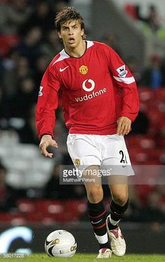 Gerard Pique of Manchester United in action on the ball during the Carling Cup third round match between Manchester United and Barnet at Old Trafford. Fifa, Cristiano Ronaldo Lionel Messi, Neymar, Play Soccer, Nike Soccer, Soccer Cleats, Soccer Skills, Soccer Tips, Barcelona Soccer