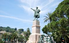 Indicating The Course - Christopher Columbus indicating the course to America - Rapallo, Genova, Italy. Christopher Columbus, City Architecture, Statue Of Liberty, America, Travel, Italia, Statue Of Liberty Facts, Viajes, Statue Of Libery