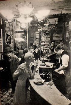 Cafè in Paris 1957
