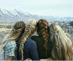 Would be fun to take pic like this with my sisters!