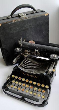 Corona folding typewriter