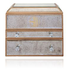 Every girl needs a jewellery chest for her diamonds and pearls. So in love with this art deco inspired jewellery chest by Samantha Wills