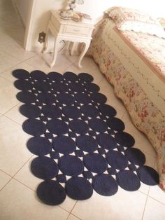 Crochet string mat made of balls! Beautiful and modern for decoration of . Crochet Rug Patterns, Crochet Motif, Crochet Doilies, Knit Crochet, Crochet Carpet, Crochet Home, Crochet Crafts, Rope Rug, Knit Rug