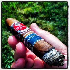 @TLJohnsonCigars #cigar #cigaraficianados #cigarporn - www.RobbyRasReviews.com