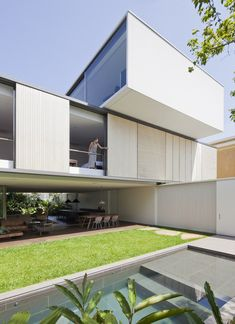 Luxury Contemporary Home in Brasil: Belgica House by AMZ Arquitetos