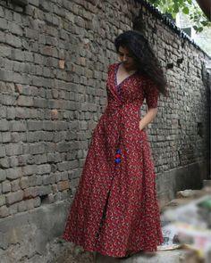 Cotton Dress Indian, Cotton Gowns, Cotton Long Dress, Dress Indian Style, Indian Fashion Dresses, Long Cotton Kurti, Cotton Suit, Indian Outfits, Simple Kurti Designs